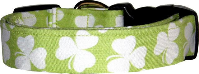Pale Green Shamrocks Dog Collar